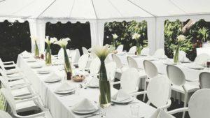 Outdoor elegant white table setting
